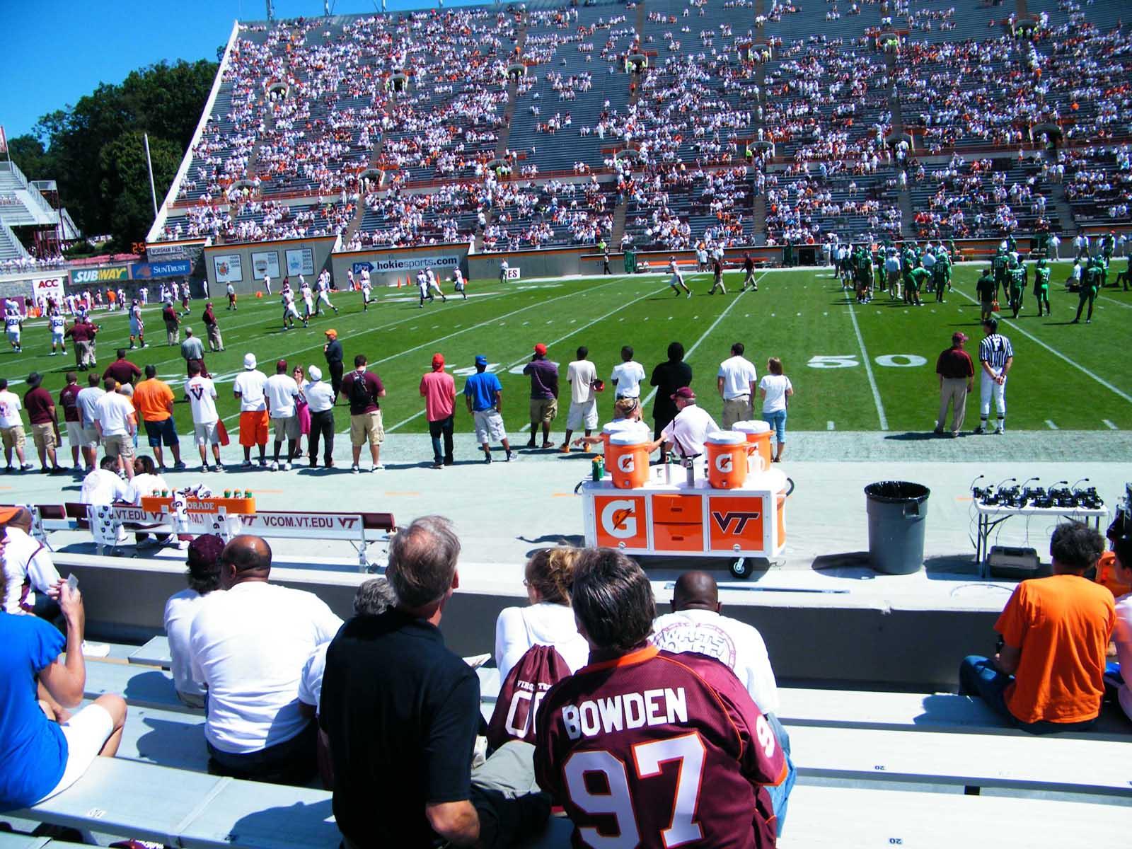 50-yard-line-lane-stadium
